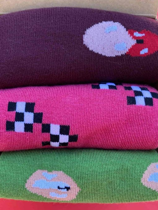 detalle pack calcetines caña alta sotenibilidad